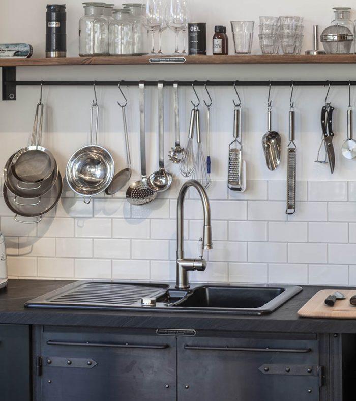 Authentic Kitchen Furniture, Küchenmöbel aus Natrustahl in Authentic und Holz im Authentic Kitchen Showroom