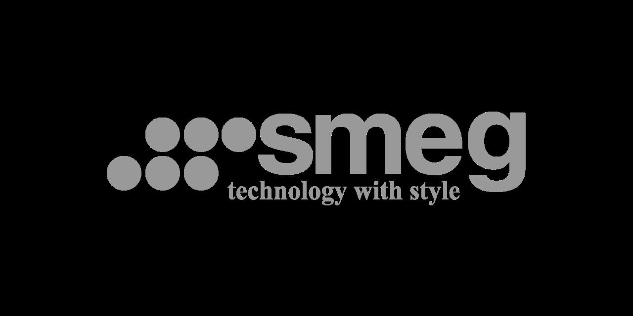 Smeg Logo,Authentic Kitchen Showroom/Küchenstudio