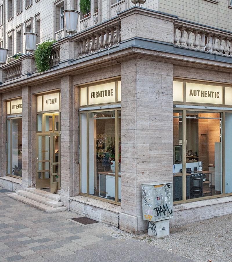Authentic Kitchen Showroom/Küchenstudio Berlin von Außen
